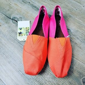 TOMS   Women's Two Solid Color Size 10 Flats
